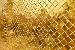 ตัวอย่างกระจกที่ใช้ กรุผนัง แบบ เจียรปลี